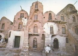 CPSM TUNISIE Vers 1970 - MEDENINE - Habitation Traditionnelle - Architecture - Tunisie