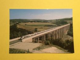 TGV Sur Le Viaduc De De La Grenette Paris / Lyon .300 Kms /h Train Gare Cheminots Rail Chemin De Fer - Treinen