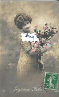 CpA Joyeuse Fête Dame Au Bouquet Signée CALIFE - Illustrateurs & Photographes