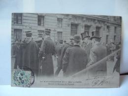 LA MANIFESTATION DU 1 Er MAI A PARIS DEVANT LA BOURSE DU TRAVAIL CPA 1906 - Storia