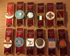 Jeux Olympiques 92 Hockey /glace 12 épinglettes Métal:Russie,Tchécoslovaquie,Norvège,USA,Italie,Pologne,Allemagne..... - Olympische Spelen