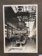 Photographie Originale 21x15 Usine Fives Vers 1920 Vue Des Ateliers De Montage Caisse Sur Essieux - Trains