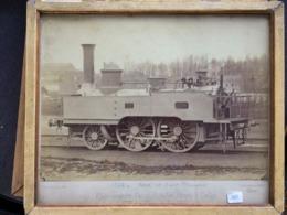 Très Vielle Photographie 24x34  De 1866 -Blondel Lille Locomotive 120 Nord Ouest Français Cie Lille Fives Sortie D'usine - Anciennes (Av. 1900)