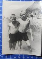 B&W Amateur Photo Boy Garcon Swim Summer 161119 - Anonymous Persons