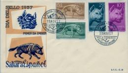 1957 SAHARA ESPAÑOL  , SOBRE DE PRIMER DIA  , ED. 142 / 145 , DIA DEL SELLO , FAUNA , HIENAS - Sahara Español