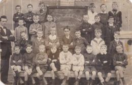 Ukkel (Uccle) (centrum)  Vrije Katholicke School  1914-1917 - Personnes Anonymes