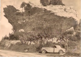 LES EYZIES DE TAYAC    Rocher De La Penne (vieille Automobile) - Sarlat La Caneda