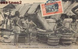 UN COIN DU MARCHE INDIGENE SCENE TYPE ETHNIE ETHNOLOGIE AFRIQUE OCCIDENTALE - Cartes Postales