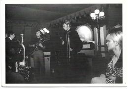 Carte Postale  SYLVIE VARTAN Et JOHNNY HALLYDAY - Cantanti E Musicisti