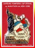 SUPER Et RARE PIN'S POMPIERS-MARATHON : CSP SAPEURS POMPIERS D'EPINAL Dans Les VOSGES Au MARATHON De NEW-YORK - Brandweerman