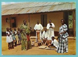 UGANDA MUGANDA DANCERS - Uganda
