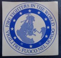 2004 -FIREFIGHTERS IN THE WORLF-VIGILI DEL FUOCO NEL MONDO - ITALIA - ADESIVO. - Cartoline