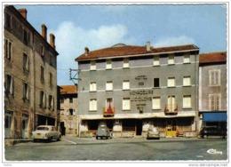 Carte Postale 63. Saint-Anthème  Hotel Des Voyageurs  Mr. J. Colomb  Propr. Renault 4L - France