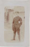 CARTE PHOTO  MILITAIRE FRANCAIS  PRISONNIER  AU CAMP DARMSTADT EN ALLEMAGNE  17 MAI 1917 VOIR VERSO - Guerra 1914-18