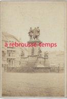 CDV Vers 1870-Francfort Sur Le Mein-Monument De Guttenberg Et Rossmarkt Format 6,3 X 9cm - Luoghi