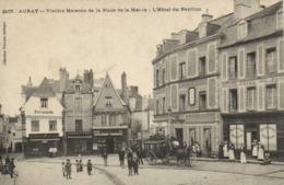AURAY  Vieilles Maisons De La Place De La Mairie L'Hotel Du Pavillon Diligence RV - Auray