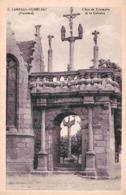 29 LAMPAUL-GUIMILIAU L'Arc De Triomphe Et Le Calvaire - Lampaul-Guimiliau