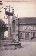 29 LAMPAUL-GUIMILIAU L'ossuaire Et Les Calvaires - Lampaul-Guimiliau