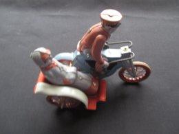 JOUET EN METAL - TOLE (V1913) MOTO SIDECAR (4 Vues) Avec Clef - Autres Collections