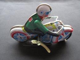 JOUET EN METAL - TOLE (V1913) MOTO Avec MOTARD (3 Vues) Avec Clef - Autres Collections
