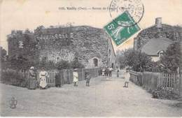 18 - VAILLY : Ruines De L'Ancien Chateau ( Animation ) CPA Village ( 190 Habitants ) - Cher ( Berry ) - France
