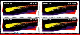 Ref. BR-2043-Q BRAZIL 1986 SPACE EXPLORATION, HALLEY�S COMET,, RETURN OF THE COMET, BLOCK MNH 4V Sc# 2043 - Blocs-feuillets