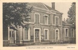 CPA 45 Loiret La Selle Sur Le Bied La Mairie - France