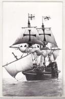 England Photo - Ships - Golden Hind - Fotos