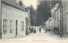 CPA 45 Loiret Sceaux Du Gatinais Rue Du Pont - France