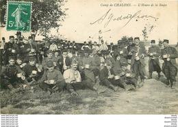WW 51 CAMP DE CHALONS. L'Heure De La Soupe Pendant La Halte Des Militaires - Camp De Châlons - Mourmelon