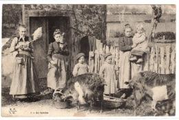 FERME - PAYSANNES Et ENFANTS - Types Et Scènes Champetres - En Famille - Ed. E. F. I. U. - Fattorie