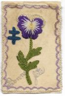 """CARTE BRODEE Par Un Soldat """"Bonne Fête"""" Sur Carte En FM... Croix De Lorraine Et Pensée... - Oorlog 1914-18"""