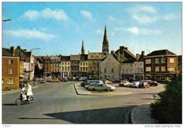 Carte Postale 25.  Chatelet  La Place Du Marché Renault 4L Trés Beau Plan - Francia