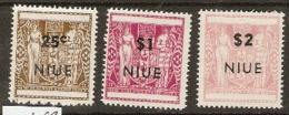 Niue  1967  SG 135,7,8, Decimal Overprints  Unmounted  Mint - Niue