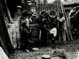 SEVILLA ESPAÑA GIPSY  QUARTER GITANO MANUEL CORBUTO  PACKING FOR THE MARKET   +- 21*16CMFonds Victor FORBIN (1864-1947) - Profesiones