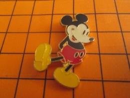 912A Pin's Pins : BEAU ET RARE : Thème DISNEY / MICKEY GRAPHISME ANNEES 40 - Disney