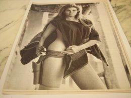 ANCIENNE PHOTO RAQUEL WELCH 1971 - Manifesti