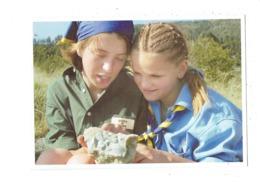 Cpm  Scoutisme Exploration Géologique Alpes De Hautes Provence Photo Pouteau Scouts De France Guides De France Fossile - Scoutismo