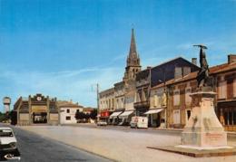 GRIGNOLS - La Place Des Halles Et Le Monument Aux Morts - Sonstige Gemeinden