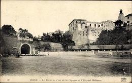 Cp Bone Algerien, A Porte Du Fort De La Cigogne Et L'Hopital Militaire - Algeri