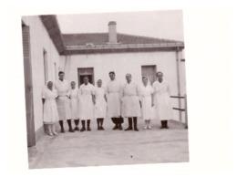 CHANTIER DE JEUNESSE-  GROUPEMENT 13   Infirmerie  CAVAILLON   Décembre 1940  MEDECINS ET INFIRMIERES - War, Military