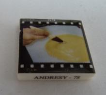 FEVE ROYAL CERAM PUBLICITAIRE Perso LA TRADITION (2) - ANDRESY 78 - FABRICATION DU PAIN  GENRE PELLICULE PHOTO - Anciennes