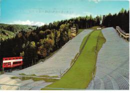 SKI En Autriche : Saut à Ski Olympique Sur La Montagne D'Isel (Tyrol). Capacité 50.000 Spectateurs. Sauts Jusqu'à 94 M. - Sports D'hiver