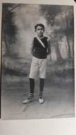 Rare Et Ancienne Photo D'un Garçon En Ballerines - Personnes Anonymes