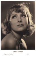 GRETA GARBO - Film Star Pin Up PHOTO POSTCARD- Publisher Swiftsure 2000 (65/113) - Postales