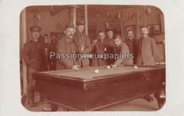 CARTE PHOTO ALLEMANDE FOTOKAART ROCHEFORT HOTEL BIRON 1917 SOLDATENHEIM PARTIE DE BILLARD - Rochefort