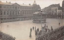 FOTOKAART   OOSTENDE  1916     LOUIS III De BAVIERE  PRISE D'ARMES  GRAND PLACE - Oostende