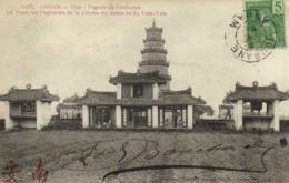 ANNAM Hué  Pagode De Confucius La Tour Les Pagodons De La Cloche Du Genie Et Le Tam Tam+ Beau Timbre 5 Inochine  RV - Viêt-Nam