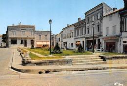 GUÎTRES - Square De La Poste - Boucherie - France