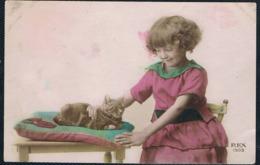 Chat Fillette - Girl, Cat -katze  Mädchen- Meisje  Poes - Katten